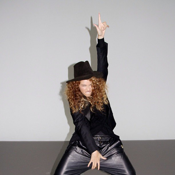 Beyoncé showed off her best Michael Jackson pose. Source: Instagram user baddiebey