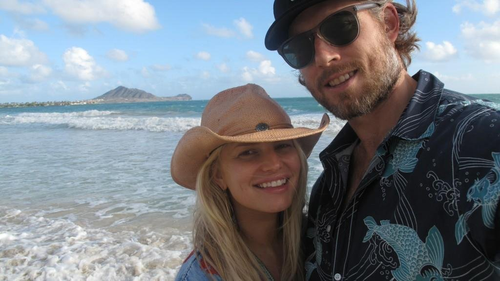 Pregnant Jessica Simpson shared a photo with Eric Johnson.