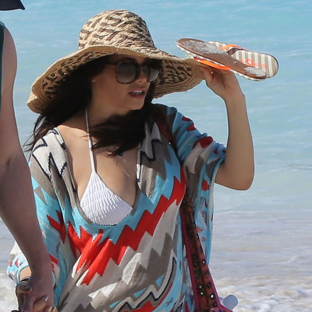 Jenna Dewan took a walk along the beach.