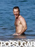 Jude Law splashed.