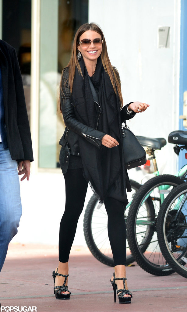 Sofia Vergara wore a black jacket and a black scarf.
