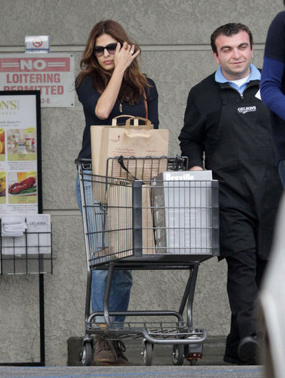 Eva Mendes visited a supermarket in LA on Sunday.