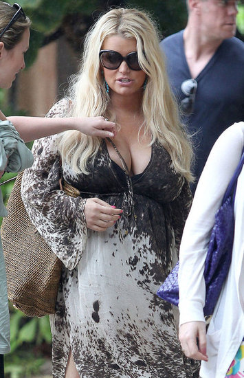 Jessica Simpson wore sunglasses in Hawaii.