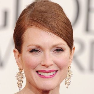 Julianne Moore | Golden Globes Hair 2013