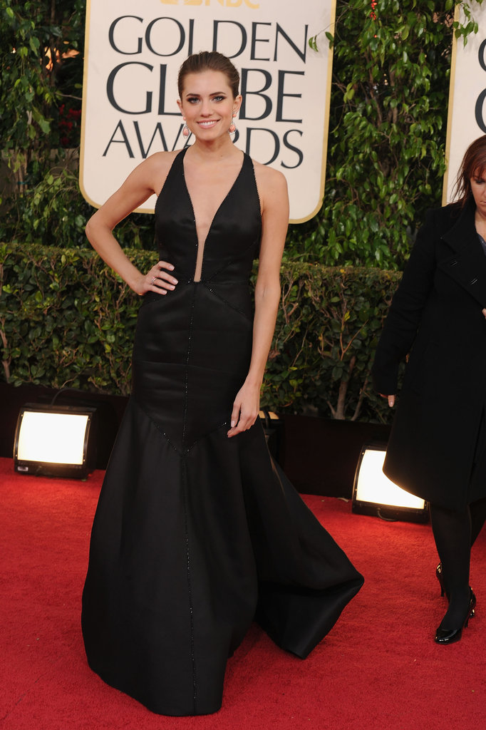 Allison Williams was a stunner in her low-cut Globes dress.