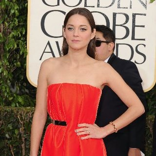 Marion Cotillard at the Golden Globes 2013 | Pictures