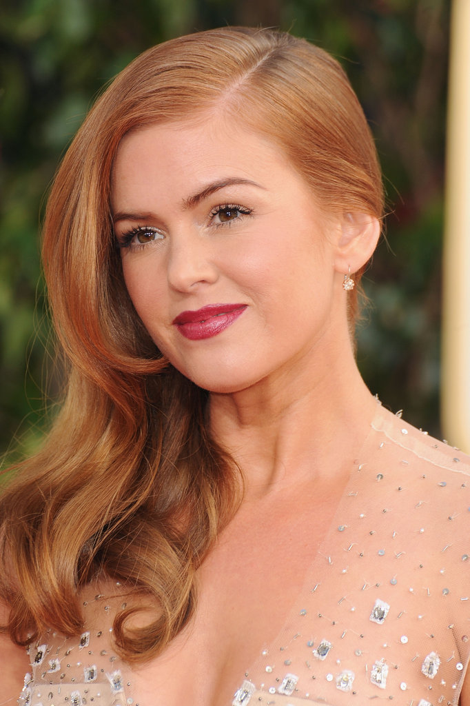 Isla Fisher Sparkles on the Golden Globes Red Carpet