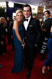Julie Bowen and Ty Burrell having fun at the Golden Globes.