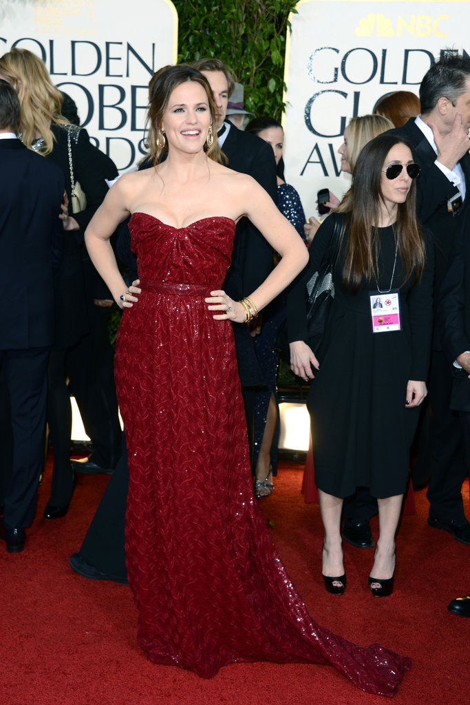 Jennifer Garner dazzled in a deep red dress.
