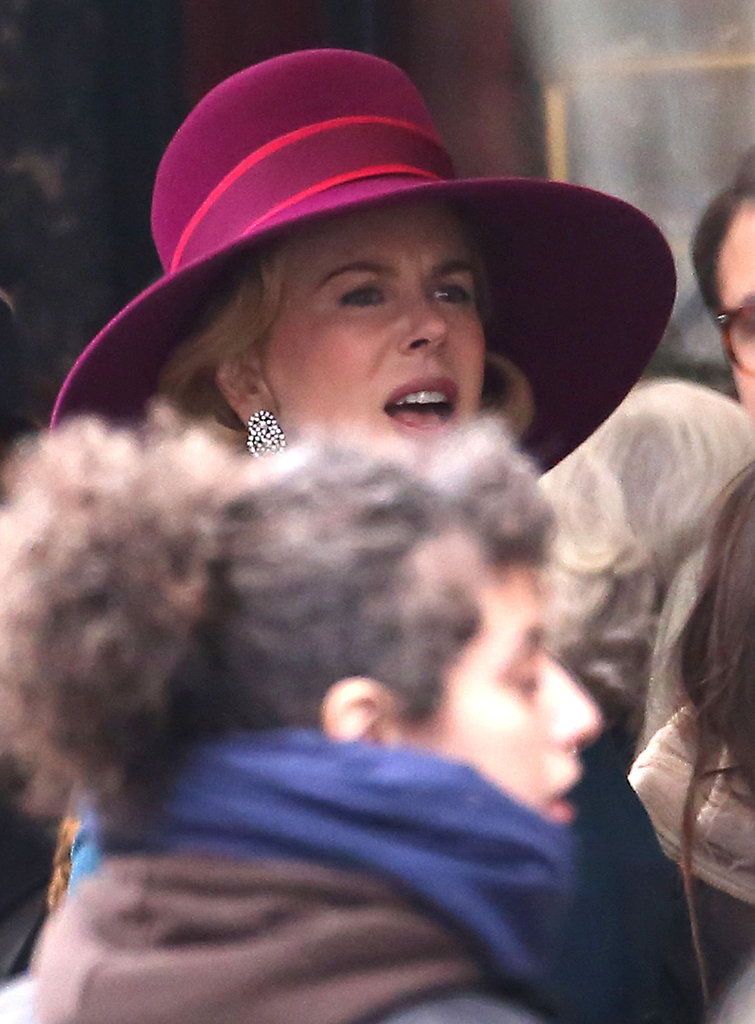 Nicole Kidman filmed a scene on the street.