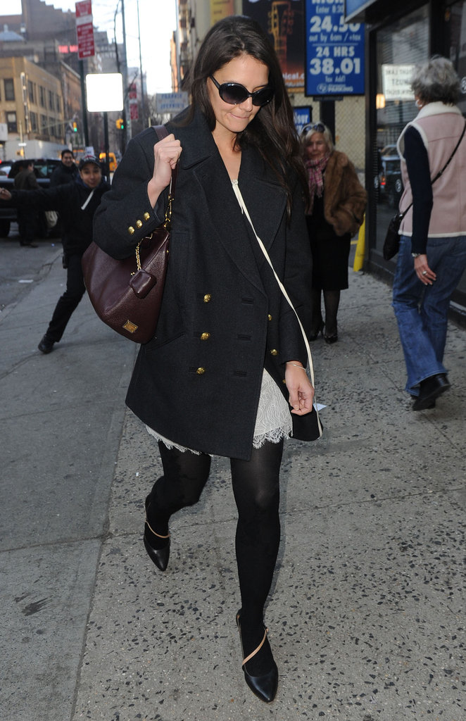 Katie Holmes walked around NYC on Sunday.