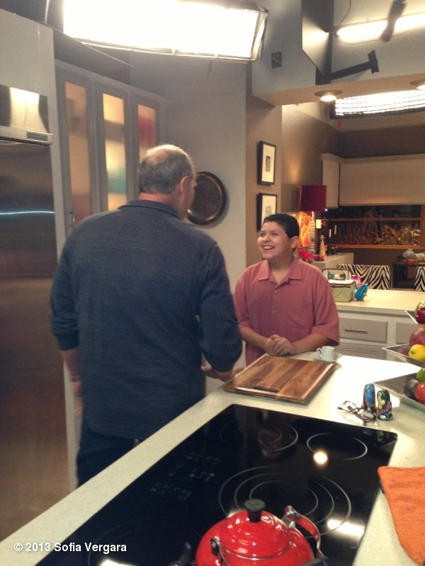 Sofia Vergara shot a picture of Modern Family costars on set playing Manny and Jay.  Source: Sofia Vergara on WhoSay