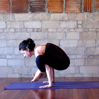 How to Do Shoulder Pressing Pose | Bhujapidasana