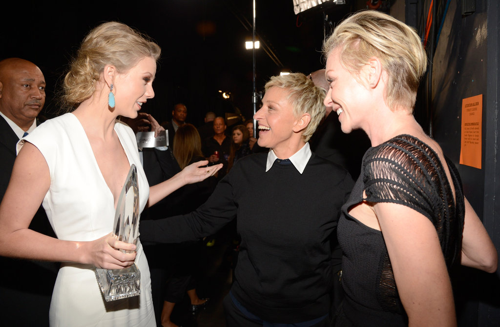 Taylor Swift celebrated backstage with Ellen DeGeneres and Portia de Rossi.