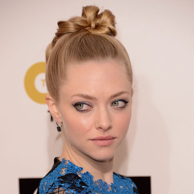 Pictures of Amanda Seyfried at the Critics Choice Awards
