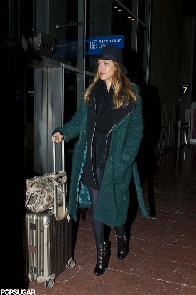 Jessica Alba Spends a Parisian Weekend With Friends