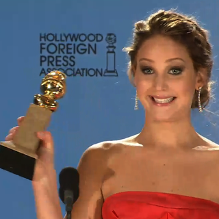 Jennifer Lawrence Golden Globes Press Room (Video)