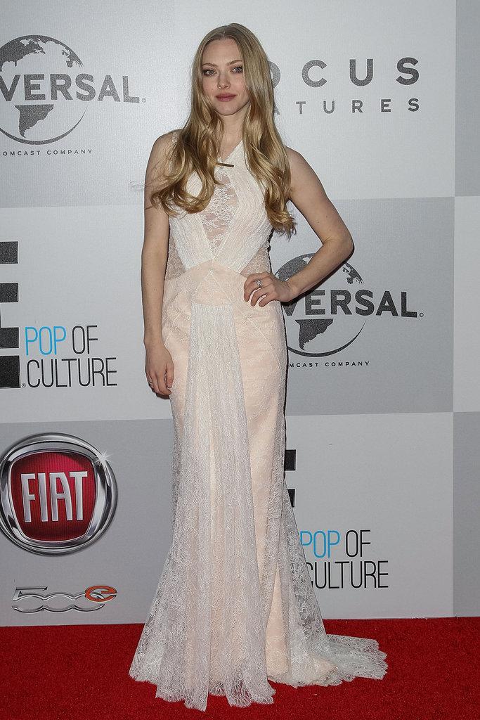 Amanda Seyfried showed off her curves.