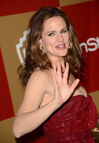 Jennifer Garner gave a wave.