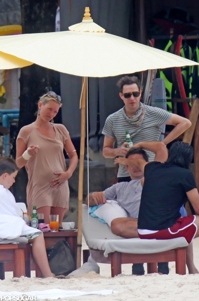 Kate Moss and Jamie Hince rang in 2009 with a New Year's getaway to Phuket, Thailand.