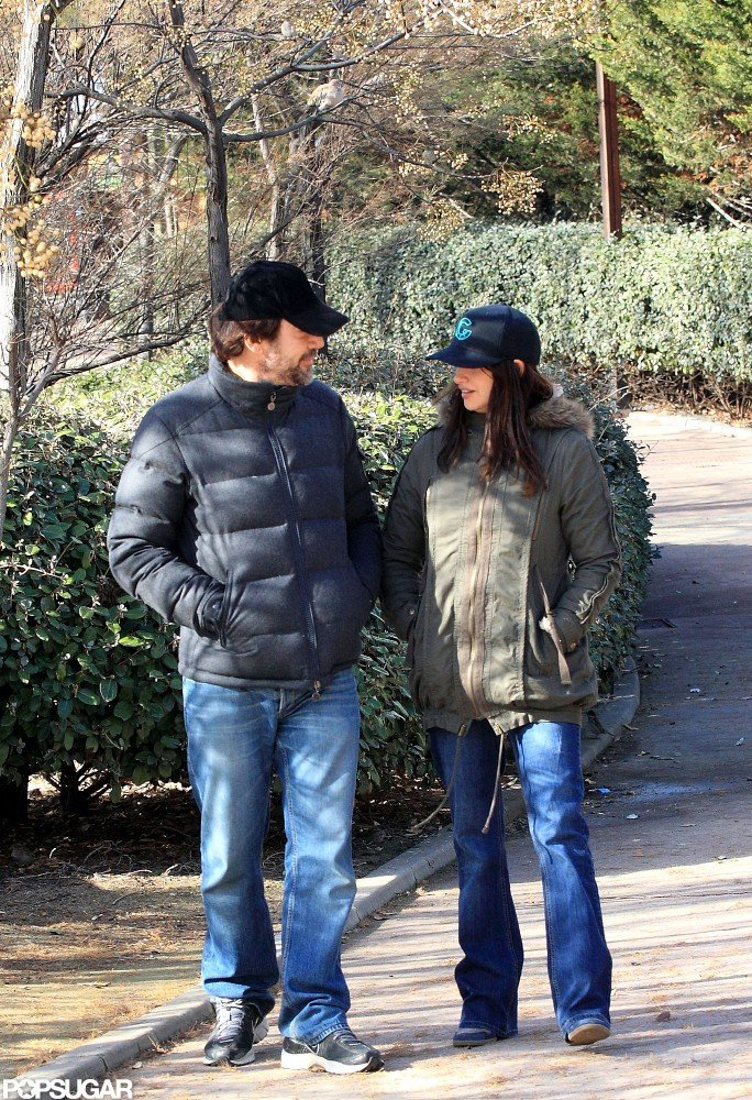 Penélope Cruz and Javier Bardem took a stroll around a Madrid park.