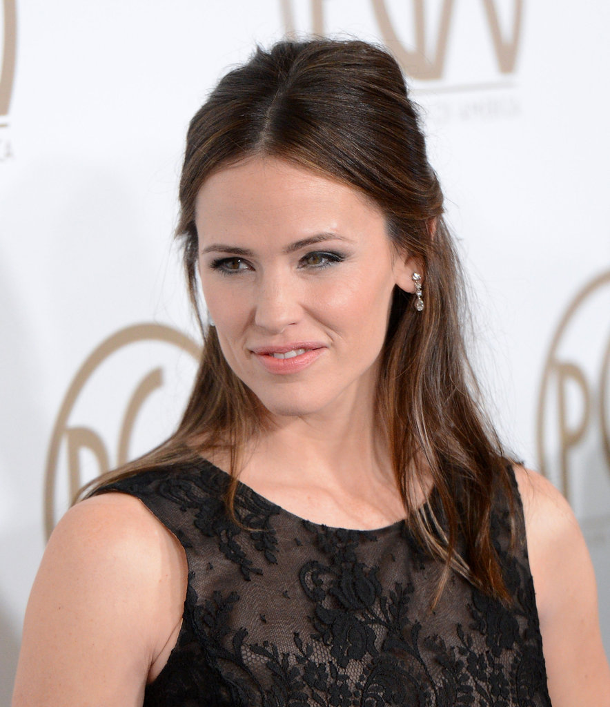 Jennifer Garner wore her hair up at the Producers Guild Awards.
