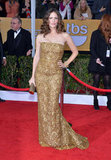 Jennifer Garner's gold lace and sequined Oscar de la Renta gown didn't short on the glamour with its high-impact finish and body-conscious cut.