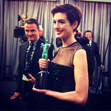 Anne Hathaway, in Giambattista Valli Haute Couture, with SAG award in hand. Source: Instagram user sagawards