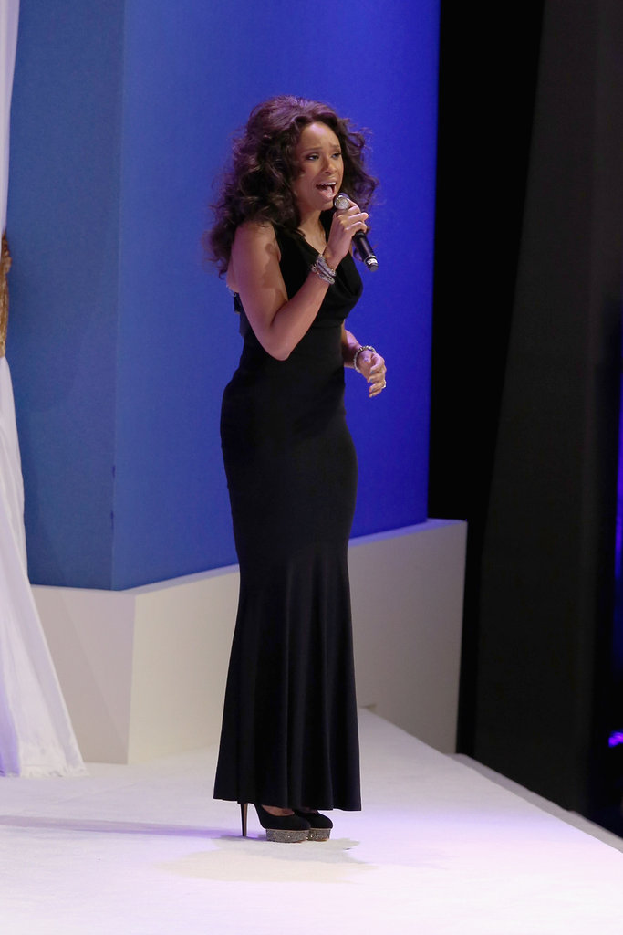 "Jennifer Hudson serenaded the Obamas with her rendition of Al Green's ""Let's Stay Together"" and looked every part the sultry songstress in a floor-length black halter gown and glitter-soled platform pumps."