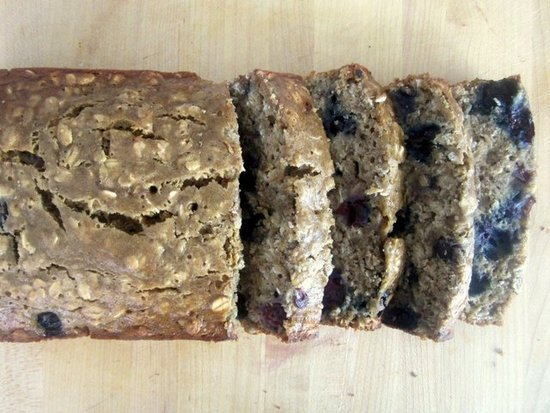 Low-Fat Oatmeal Blueberry Bread