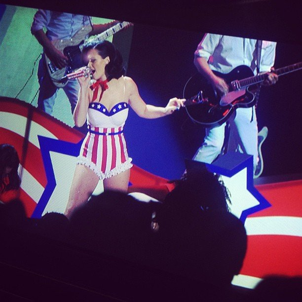 "Katy Perry performed ""Firework"" dressed like a Fourth of July firecracker."