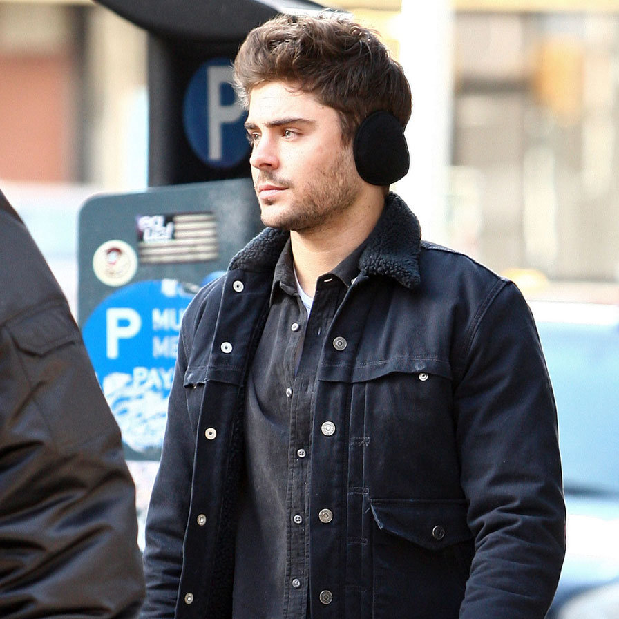 Zac Efron Filming in NYC | Pictures | POPSUGAR Celebrity Zac Efron Nyc