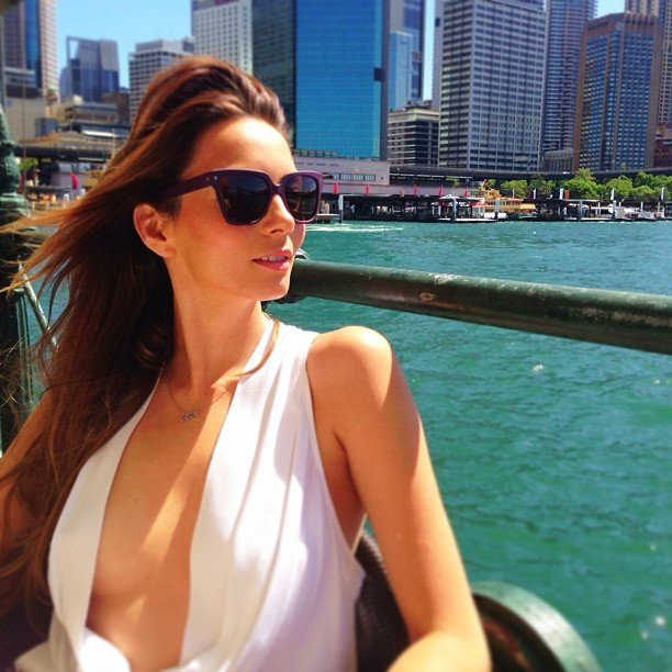 Ricki-Lee Coulter enjoyed lunch on Sydney Harbour in a breezy top. Source: Instagram user therickilee