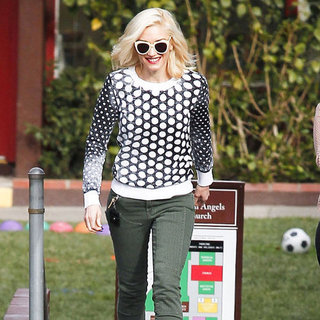Gwen Stefani in Black-and-White Sweater | Pictures