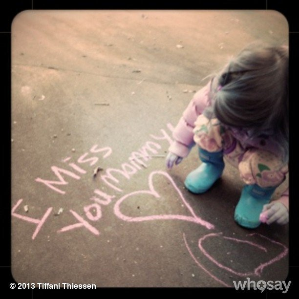 Harper Smith sent a sentimental message to her vacationing mama, Tiffani Thiessen. Source: Instagram user tathiessen