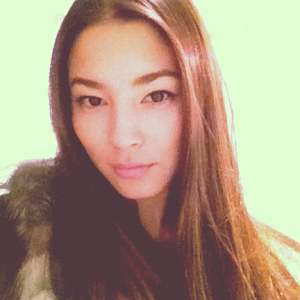 Jessica Gomes took what might just be the best selfie we've ever seen — look at those gorgeous almond eyes and perfectly groomed brows! Le sigh. Source: Instagram user iamjessicagomes