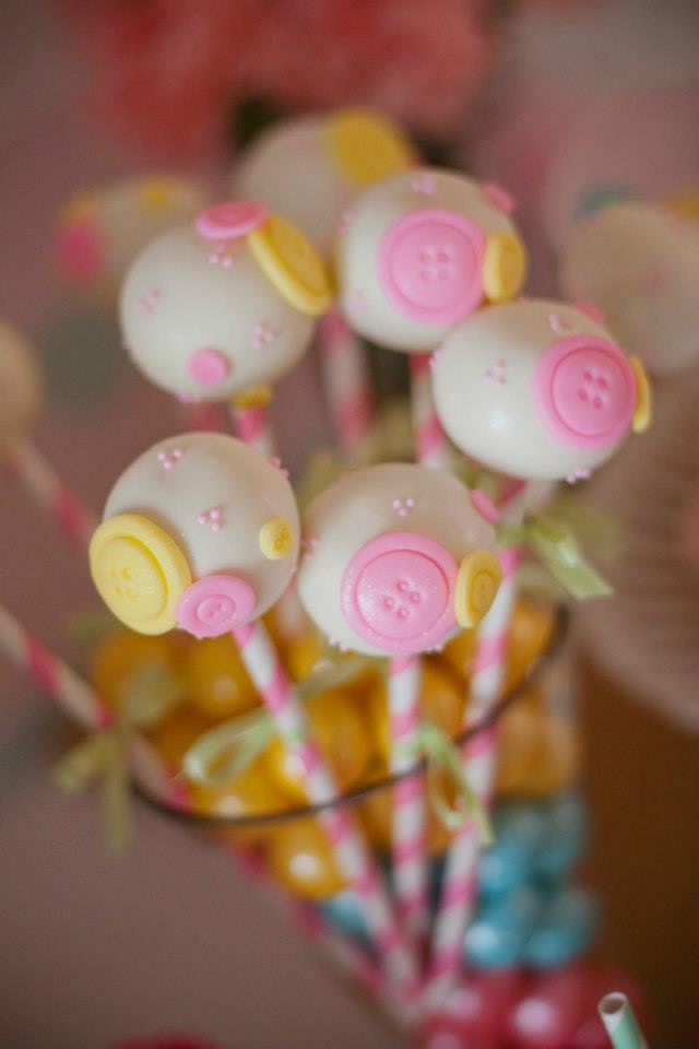 Button Cake Pops
