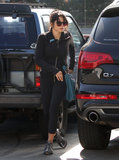 Jenna Dewan hopped out of her car to get a bagel.