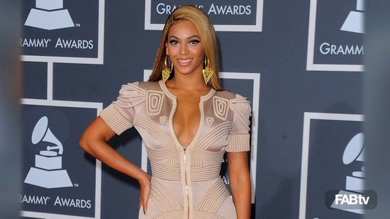 Beyonce Zips Up In Style: Body-Con Couture Stéphane Rolland: CelebStyle