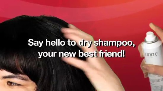 PREVIEW: Nifty Beauty Tip: Use Dry Shampoo to Refresh Your Hair On the Go