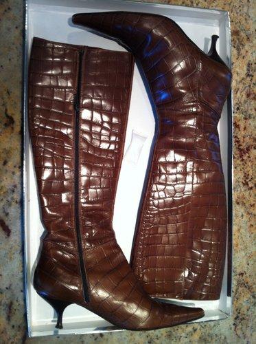 casadei crocodile kitten boots!