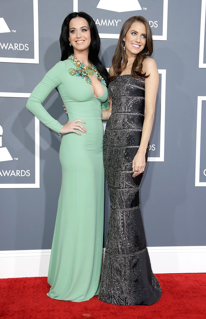 Katy Perry and her pal Allison Williams posed together on the red carpet.