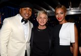 Beyoncé met up with host LL Cool J and Ellen DeGeneres backstage.
