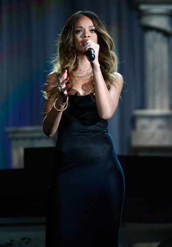 Rihanna performed at the 2013 Grammy Awards in LA.