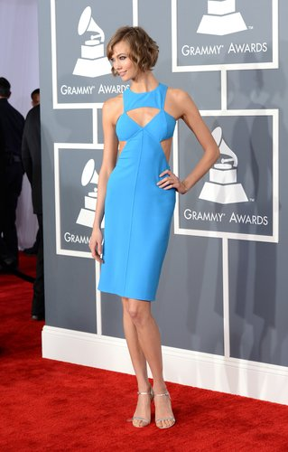 Karlie Kloss picked a bright blue Michael Kors dress for the Grammys.