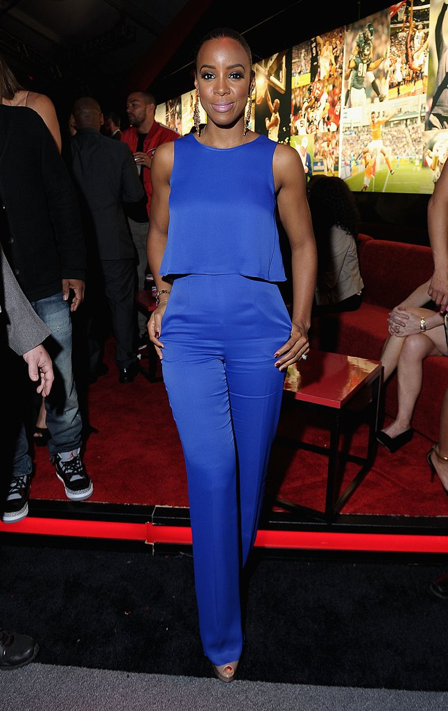 Kelly Rowland — who wowed us in a sexy leather Rubin Singer getup during halftime — chose something much more modest for ESPN The Magazine's NEXT event. While her sleeveless top and high-waisted pant combo proved sophisticated, she still had a lot of fun with that bright cobalt blue hue.