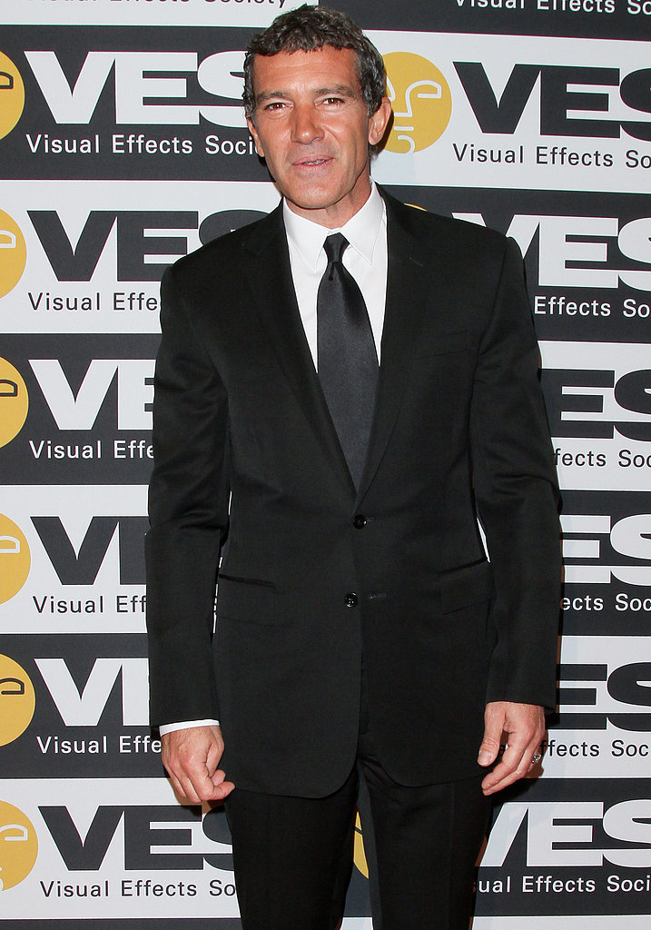 Antonio Banderas wore a suit.