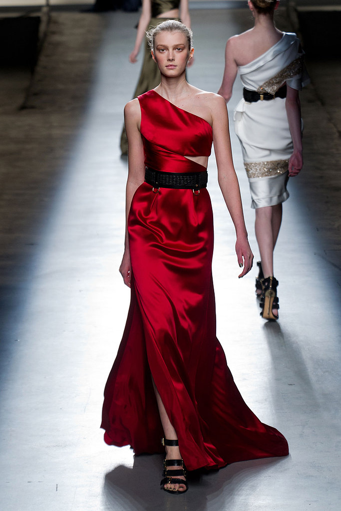 This sexy red asymmetrical Prabal Gurung gown would really bring the heat at the Oscars — do you think Jennifer Lawrence would wear it?