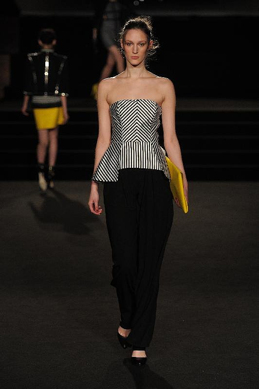 Sass & Bide Kicks Off London Fashion Week With A Bang!