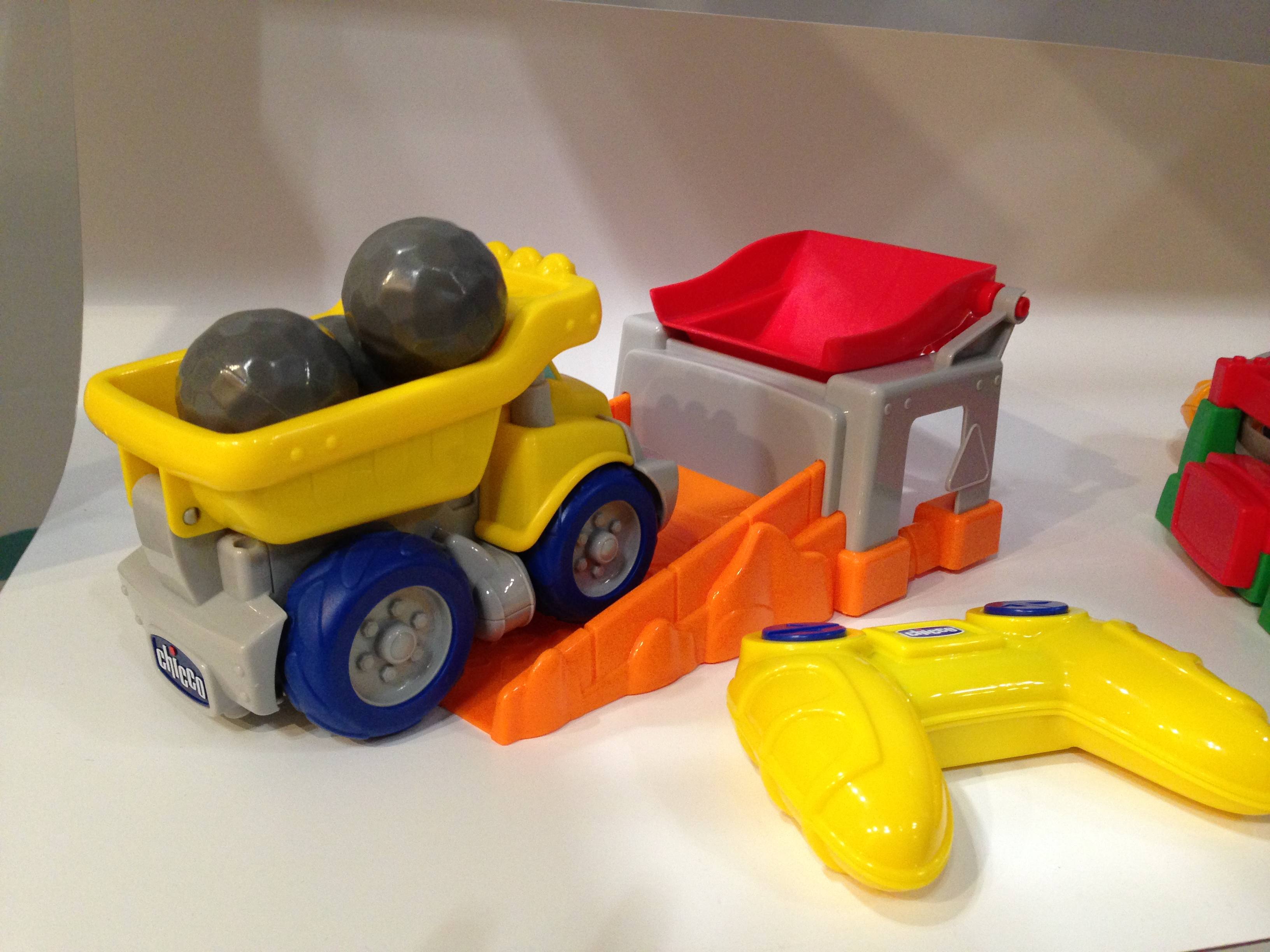 Check out the tactile detail on Chicco's new remote-controlled dump truck!